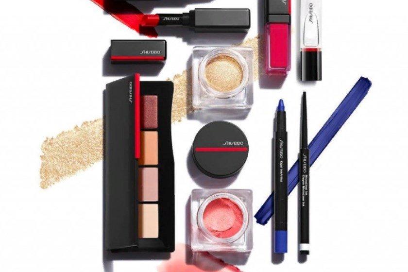 Огромный ассортимент товаров класса люкс Shiseido