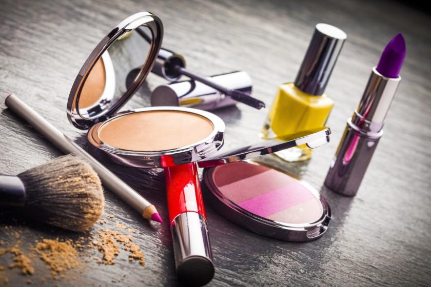 Декоративная косметика – средства для создания роскошного мейкапа